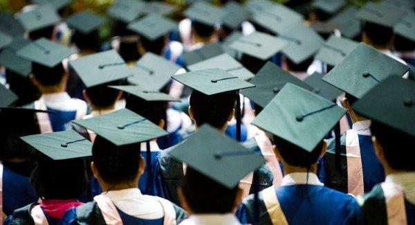 4 CEOs de éxito que dejaron la universidad