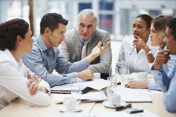 CEO, CFO, COO… ¿Cuáles son los principales cargos en las grandes empresas?