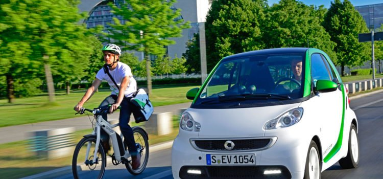 "Evaluando las alternativas ecológicas de movilidad: SMART Electric Drive ""FORTWO"""